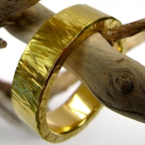 planished gold ring